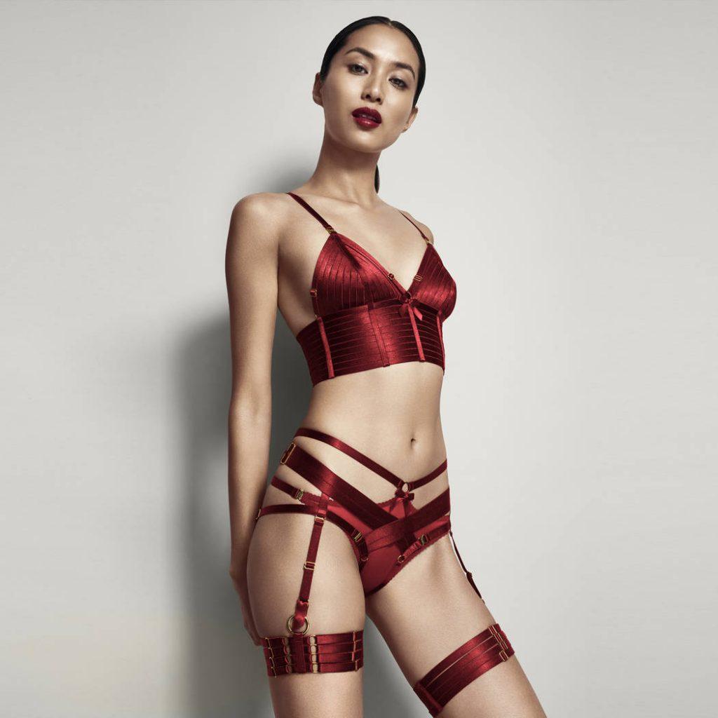 soutien gorge bustier elastiques ajustables lingerie bordelle