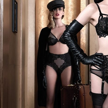 DITA VON TEESE Culotte haute galbante Black Dahlia Noir