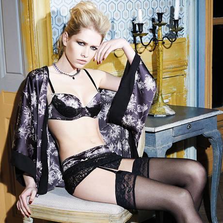 LES JUPONS DE TESS Kimono Saint-Honoré Noir/Violet