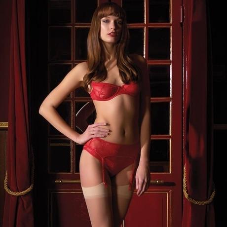MAISON CLOSE Soutien-gorge balconnet Chaperon Rouge Rouge