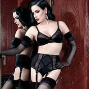 String Dita Von Teese Screen Queen