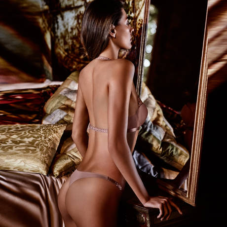 ANDRES SARDA String Cinnamon Victorian Rose
