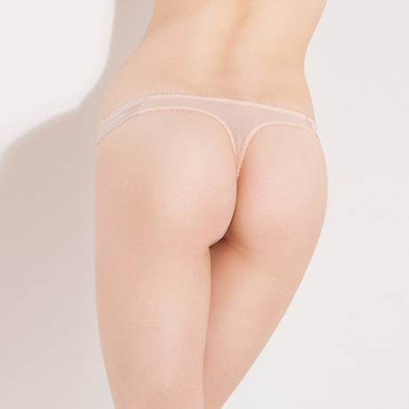 String Penelope Nude