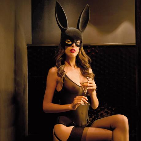 Masque lapin avec pompon Les Fétiches Noir