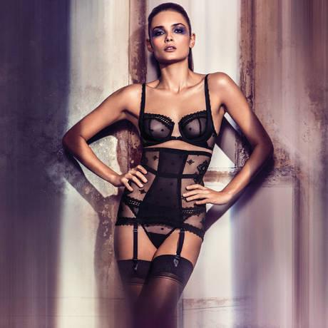 WACOAL Serre-taille porte-jarretelles gainant Sensuality Noir