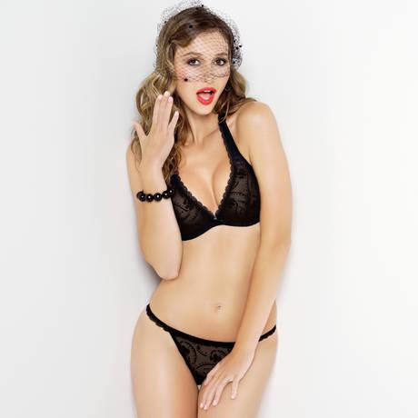 String sexy Jolie Muse Noir