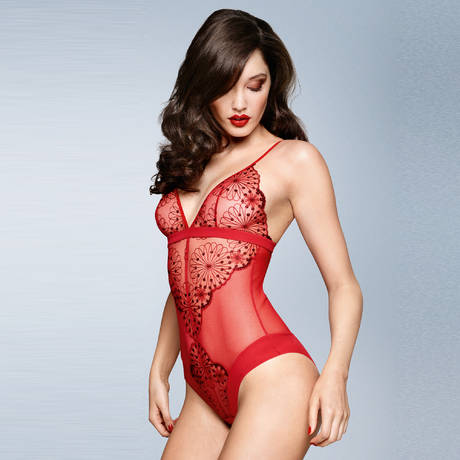 Body sans armatures Lovely Essence Rouge