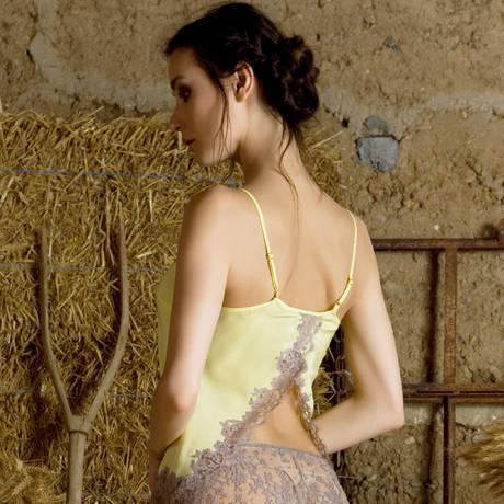 MARJOLAINE Caraco en soie Coeur Colza Cendre