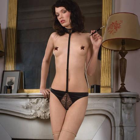 MAISON CLOSE Harnais string Villa Satine Noir