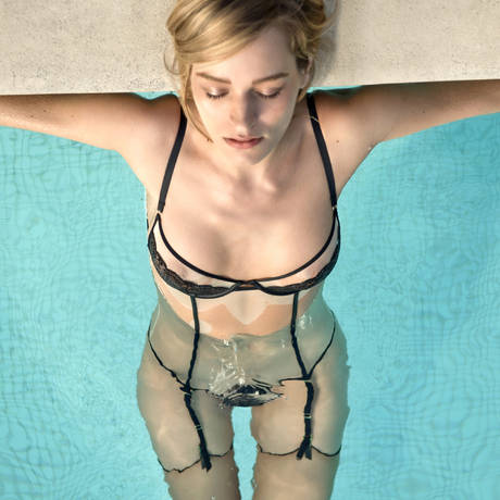 MAISON CLOSE Body string porte-jarretelles amovibles L'Antichambre Chair/Noir