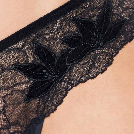 TRIUMPH Shorty string Lavish Essence Noir
