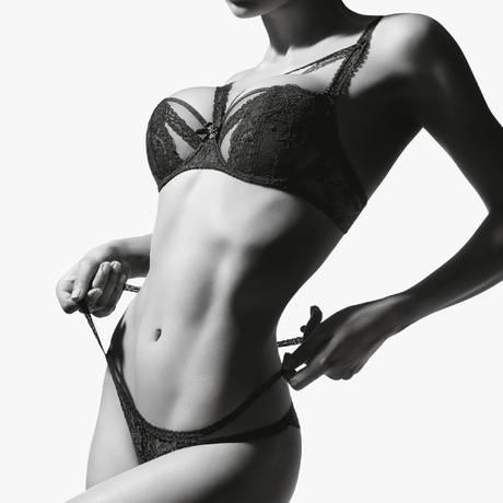 AUBADE Culotte Mini-Coeur ouverte Troublant désir Noir