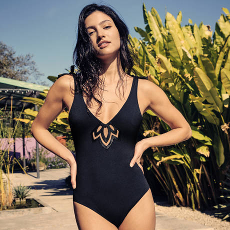 SIMONE PÉRÈLE Maillot de bain 1 pièce décolleté plongeant Maya Noir