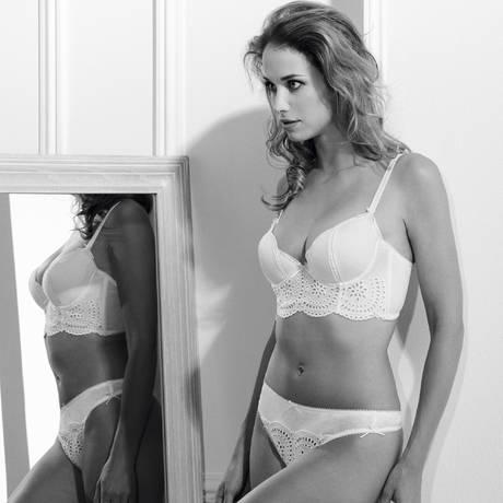 MILLESIA String Angelique Blanc