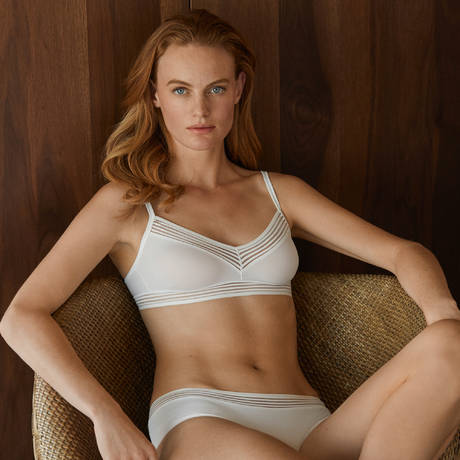 HANRO Soutien-gorge triangle sans armatures Cara Off White