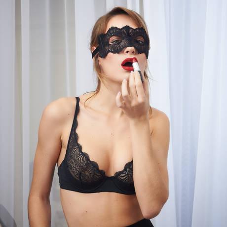 MAISON CLOSE Masque Les Romantiques Le Sublime