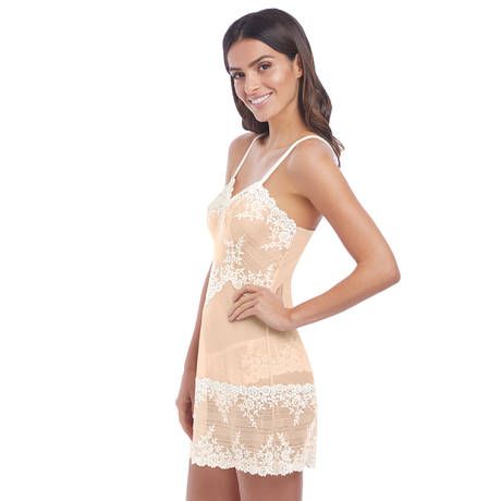 b56d53bba4c7 WACOAL Nuisette Embrace Lace Naturally Nude/Ivoire