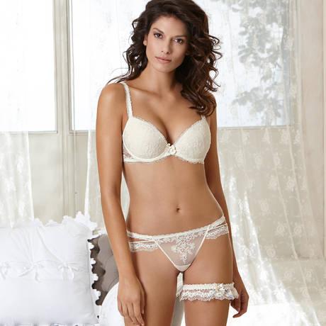 String sexy Antinéa Chérie Nacre