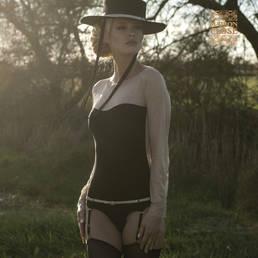 Body culotte manches longues porte-jarretelles Maison Close La Cavalière