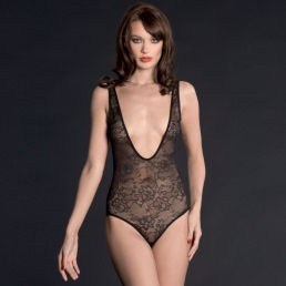 Body string Maison Close Villa des Lys