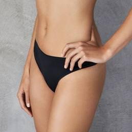Tanga Barbara Nude Perfect
