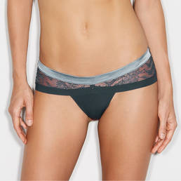Shorty string Andres Sarda Koons