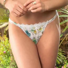String sexy Lise Charmel Herbier Savane
